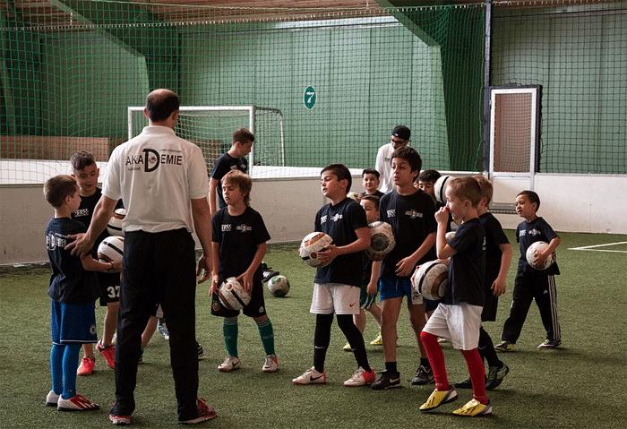 Fussball für Kinder - Einzel und Team Training